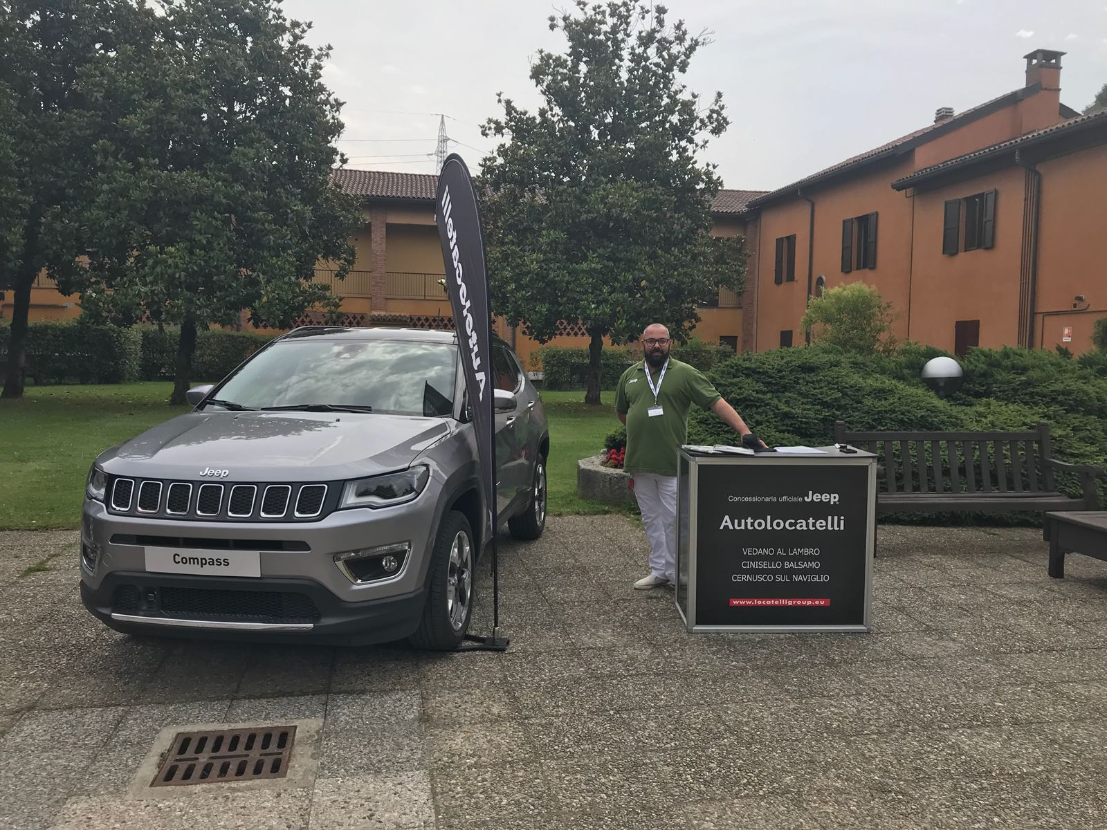 jeep compass milano evento molinetto