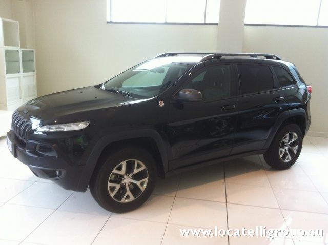201412 AUTOLOCATELLI JEEP CHEROKEE